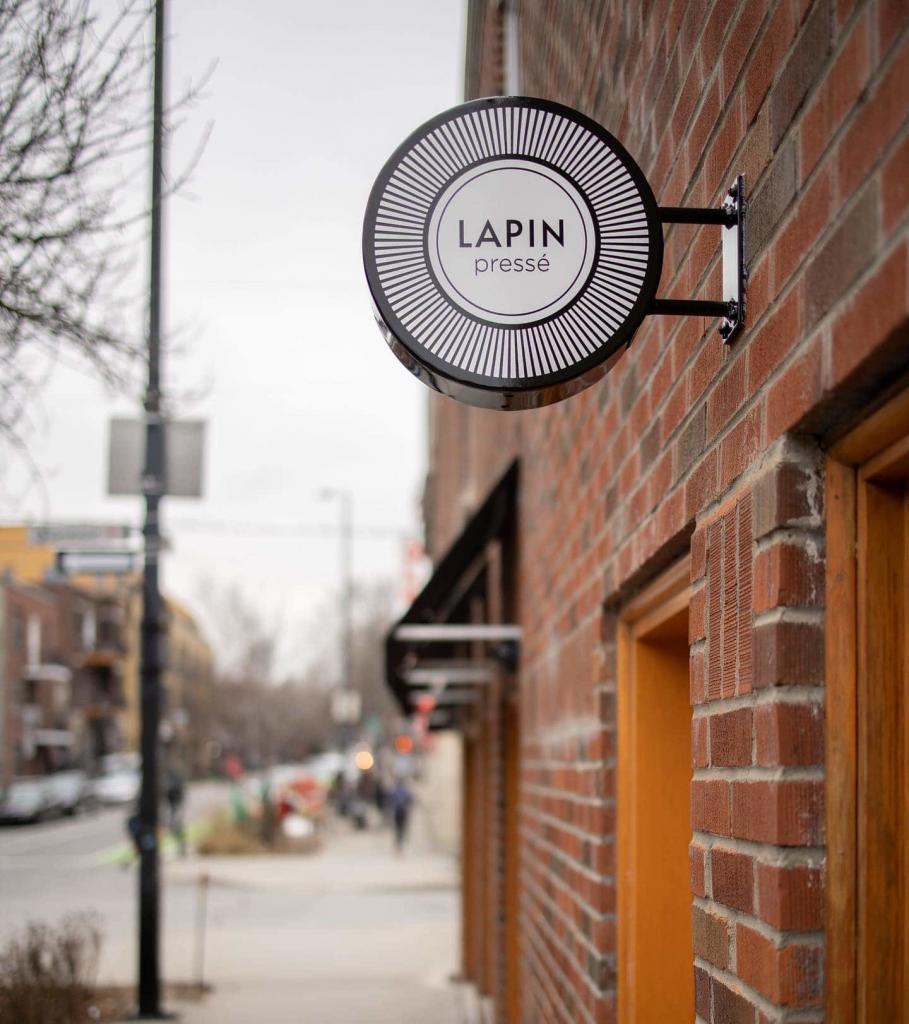 Enseigne du Lapin Pressé un commerçant du Petit Laurier de l'arrondissement du Plateau Mont-Royal