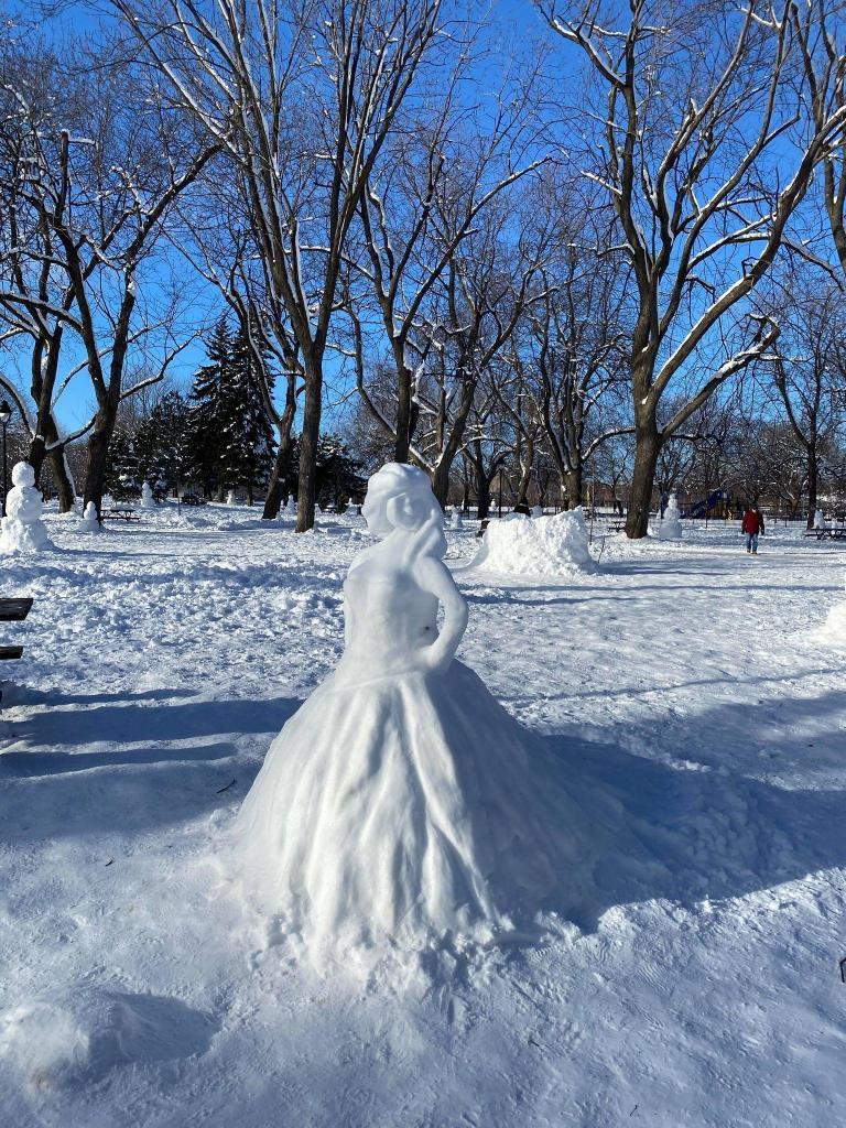 Princesse de neige du Petit-Laurier dans le secteur du Plateau Mont-Royal