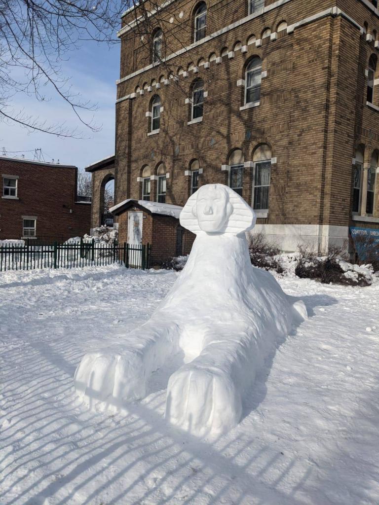 Pharaon de neige dans le secteur de Rosemont-La Petite-Patrie
