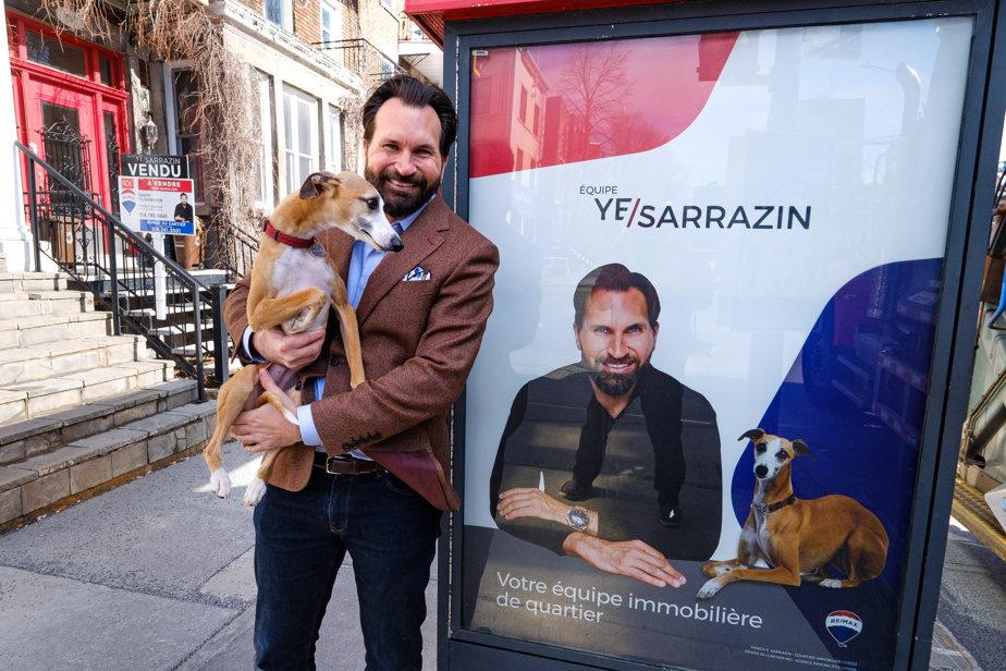 Yanick Sarrazin Courtier Immobilier à côté d'un Abribus