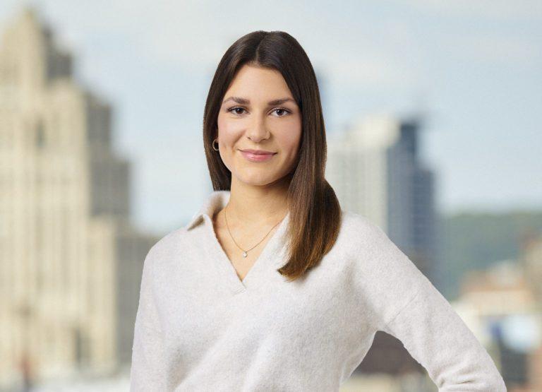 Clara Sabourin - Coordonatrice marketing en immobilier