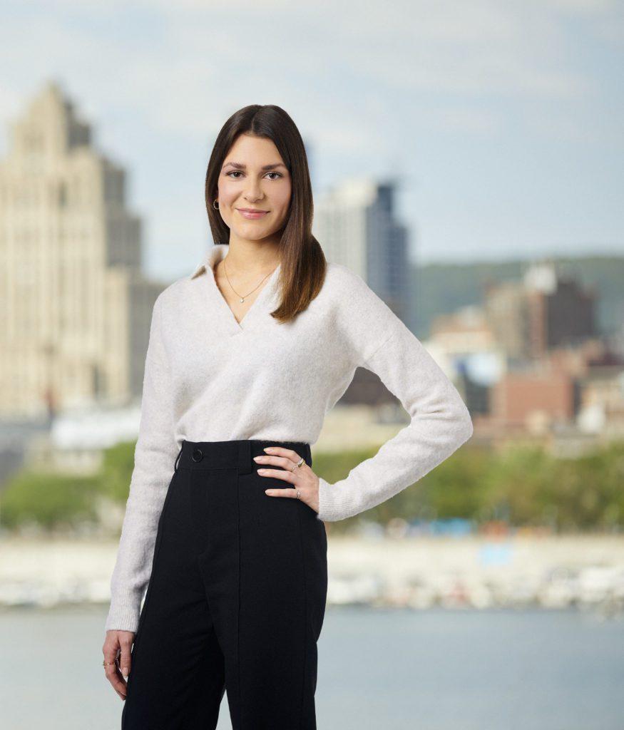 Clara Sabourin - Coordonnatrice marketing Montréal - Équipe YESARRAZIN